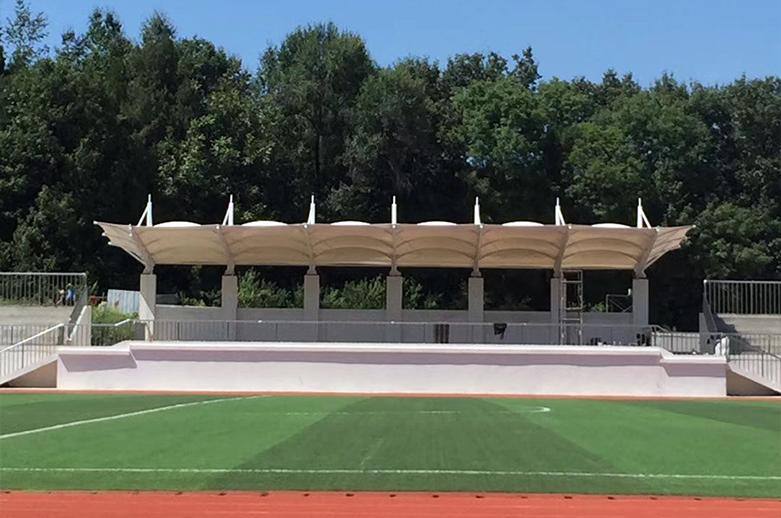 膜结构体育场看台施工